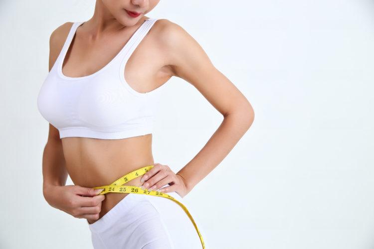 体重 女子 中学生 平均